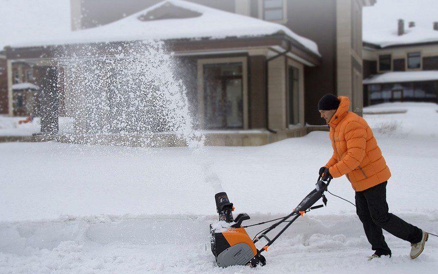 Какой выбрать электрический снегоуборщик